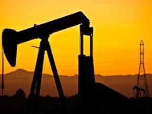 iStock 000012333468XSmall 14 1 - 7 reason for the drop in crude