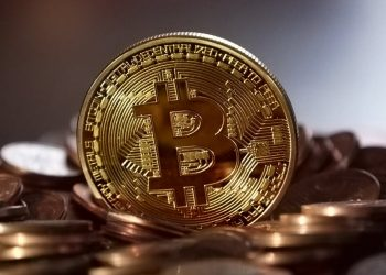 Bitcoin 1 350x250 - Analysis: Bitcoin to start futures trading, stoking Wild West worries | Reuters